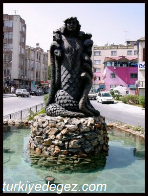 Şahmeran Heykeli