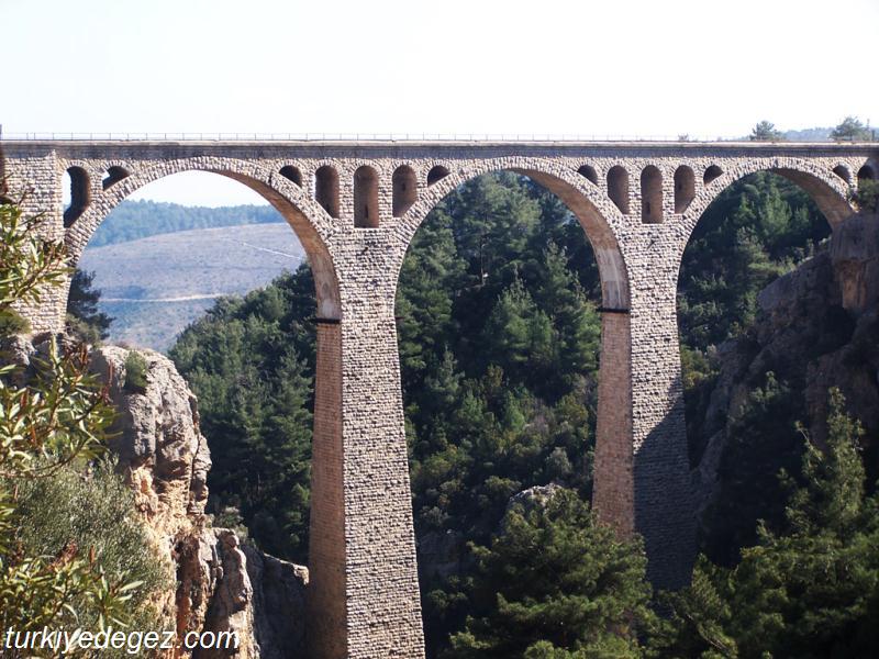 Alman (Karaisalı) Köprüsü