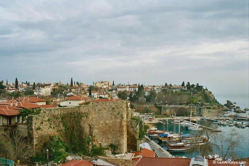 Eski Şehir Surları