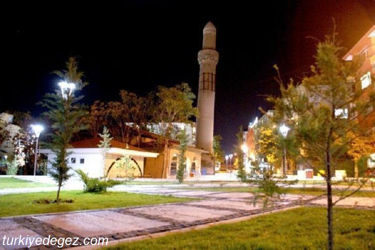 Aksaray Eğri Minare