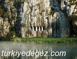 Bafra Asarkale ve Kaya Mezarları