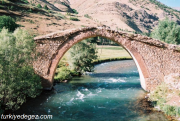 Hurkan Köprüsü