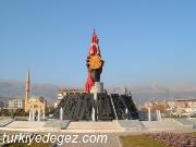 İstiklal Madalyası Heykeli