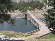 Tarihi Ceyhan Köprüsü(Taş Köprü)